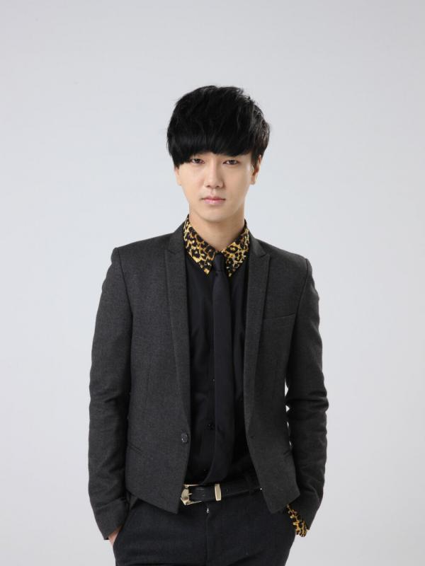 bcd75294ffd55d28603e11aec5d20aff-079903100_1431340606-yesung