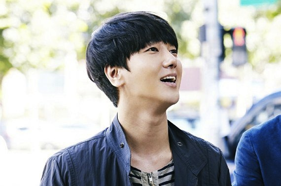 super-junior-yesung-awl