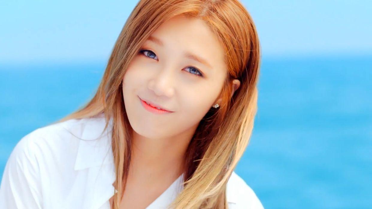 Eunji (1)