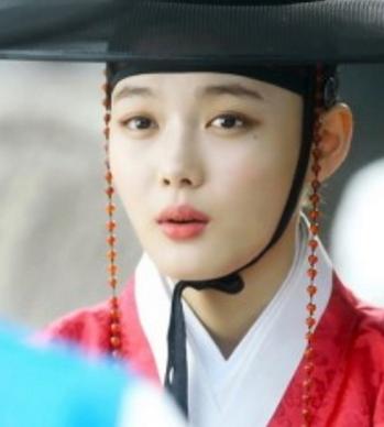 Kim-Yoo-Jung2-1