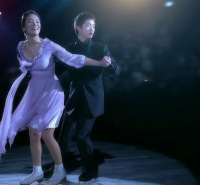Song-Hye-Kyo-skating (1)