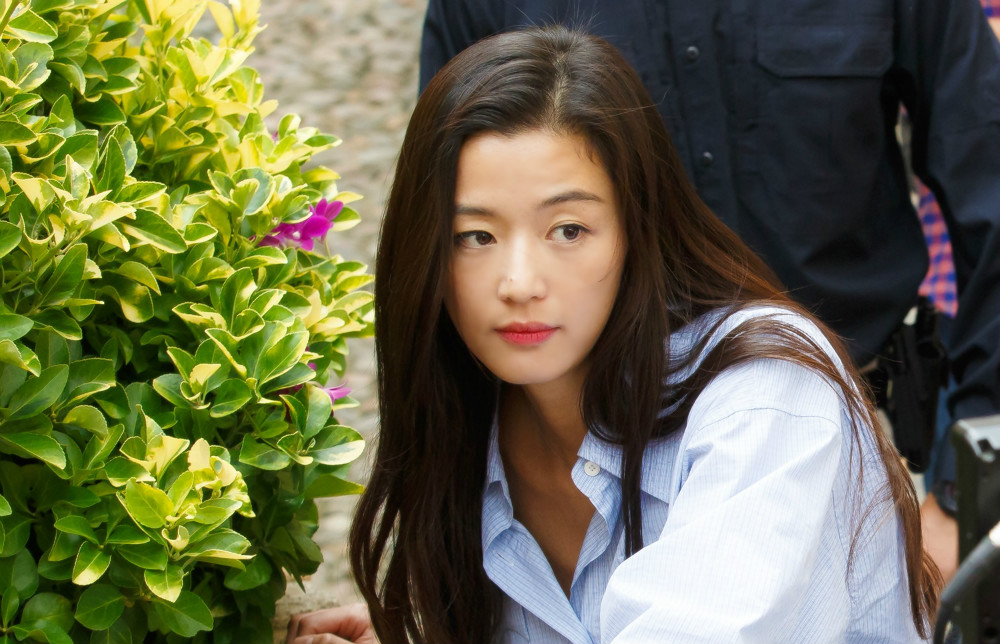 jun-ji-hyun-the-legend-of-the-blue-sea-2-1