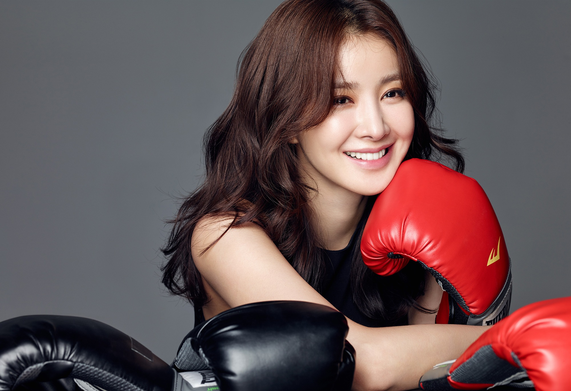 lee-si-young-e