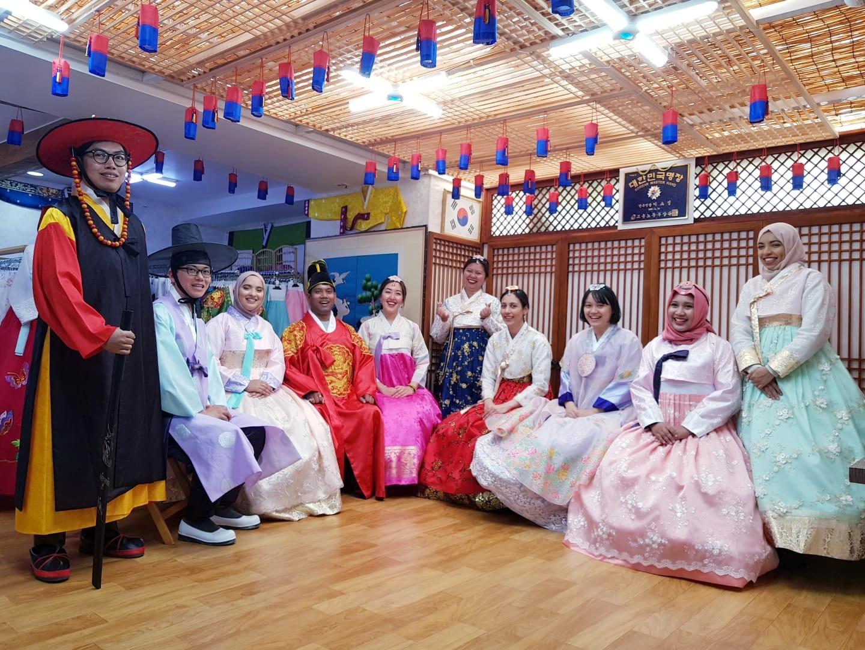 boleh-foto-di-bukchon-village-asal-jangan-berisik-salam-korea-4