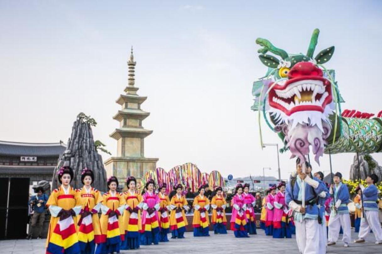 liburan-musim-semi-korea-saatnya-festival-budaya-kerajaan-salam-korea