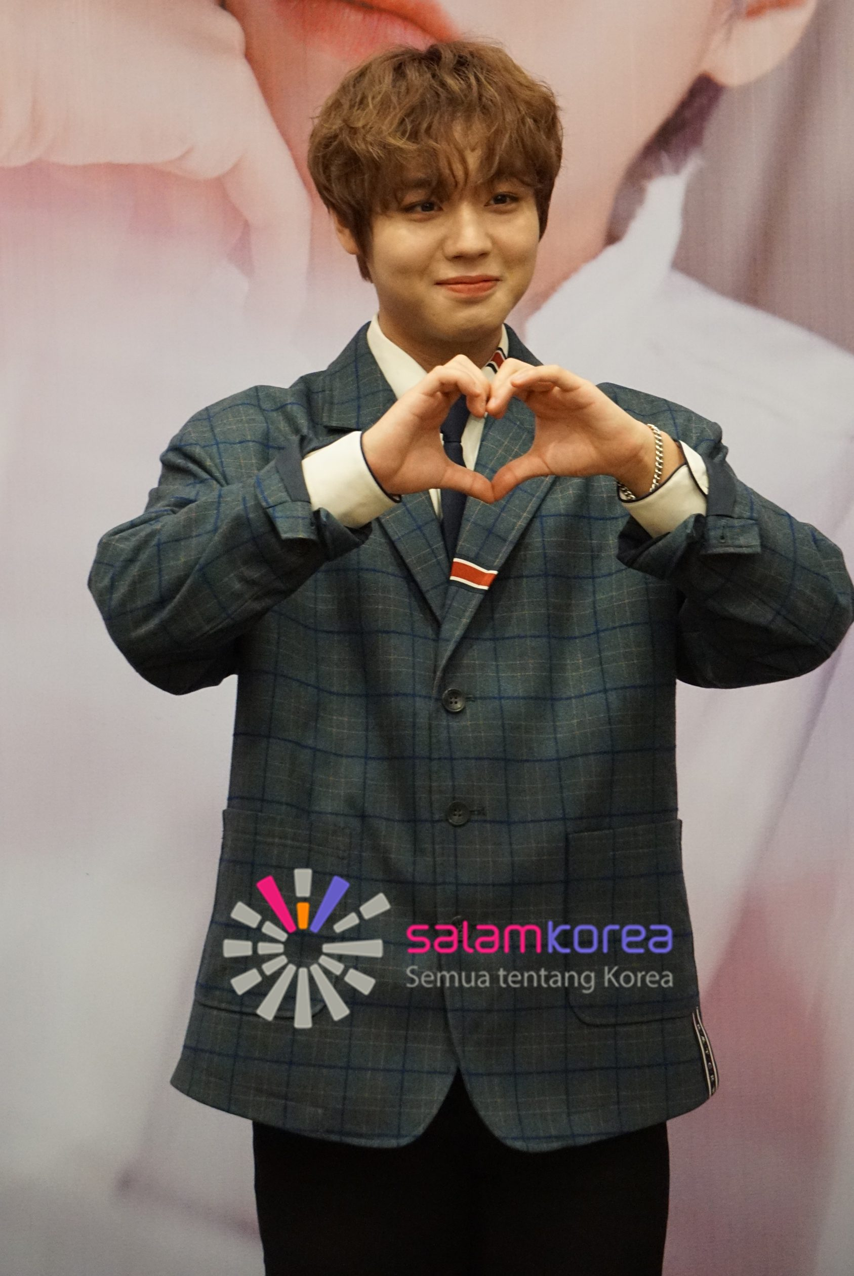 tanya-jawab-bareng-park-ji-hoon-dari-wanna-one-sampai-jadi-solois-salam-korea-1