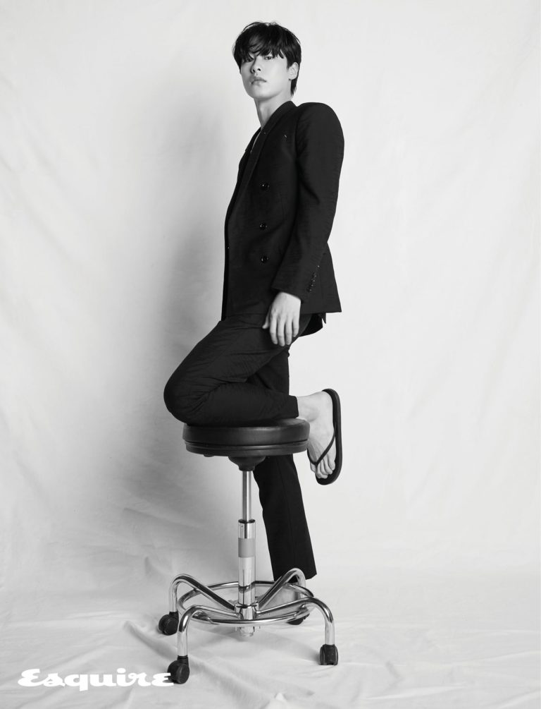 lee-jae-wook-esquire-salam-korea-4